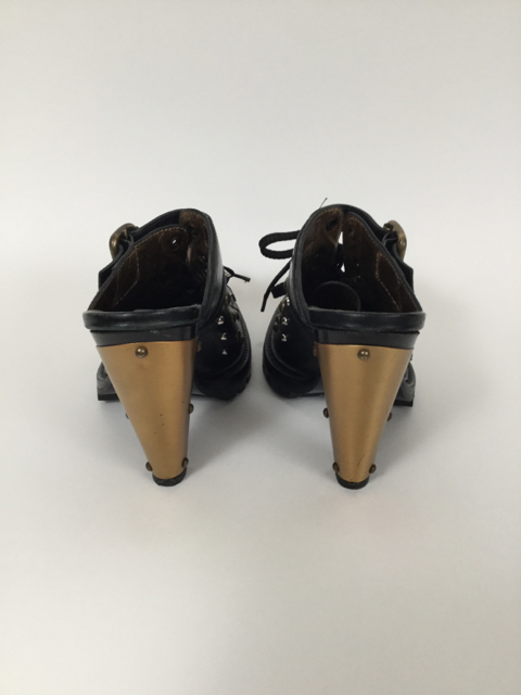 Wow-Vintage-Miu-Miu-8-Studded-Black-Mules_8137C.jpg