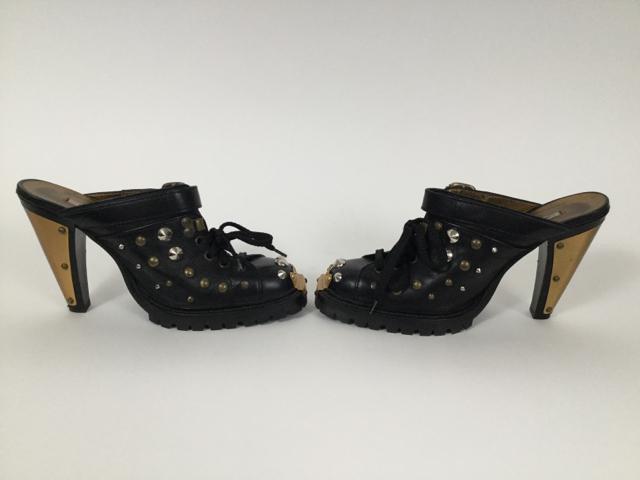 Wow-Vintage-Miu-Miu-8-Studded-Black-Mules_8137D.jpg