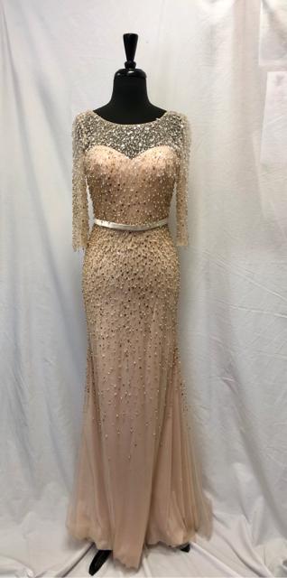 Size-4-GownEvening-Wear_631193A.jpg