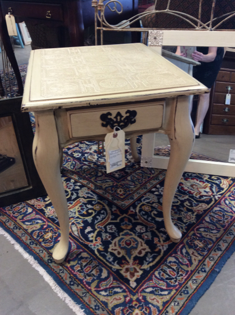 22Hx18Wx23D-Painted-Cream-Accent-Coffee--Accent-Tables_246712A.jpg