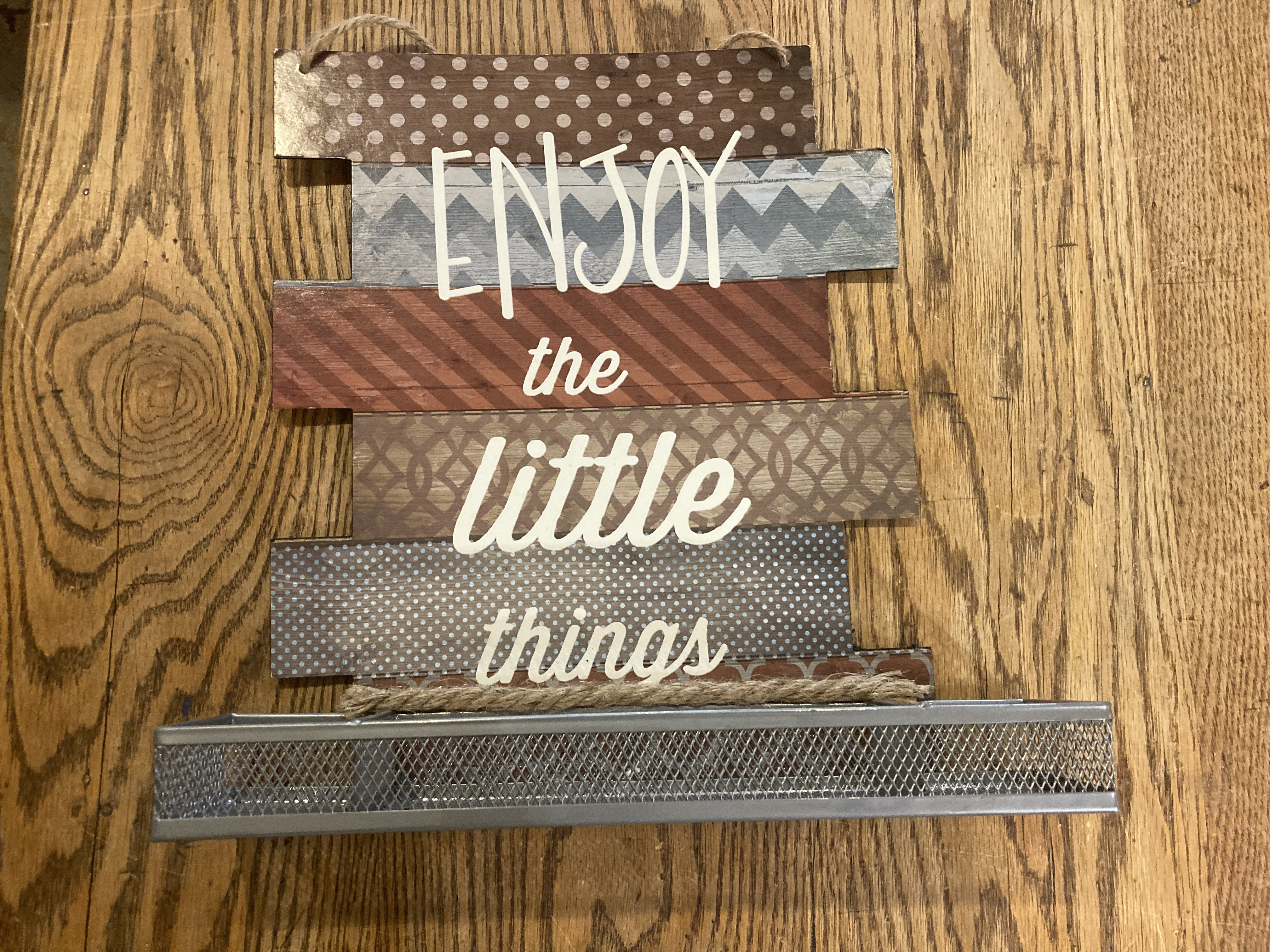 Enjoy-the-Little-Things-wall-hanging_179814A.jpg