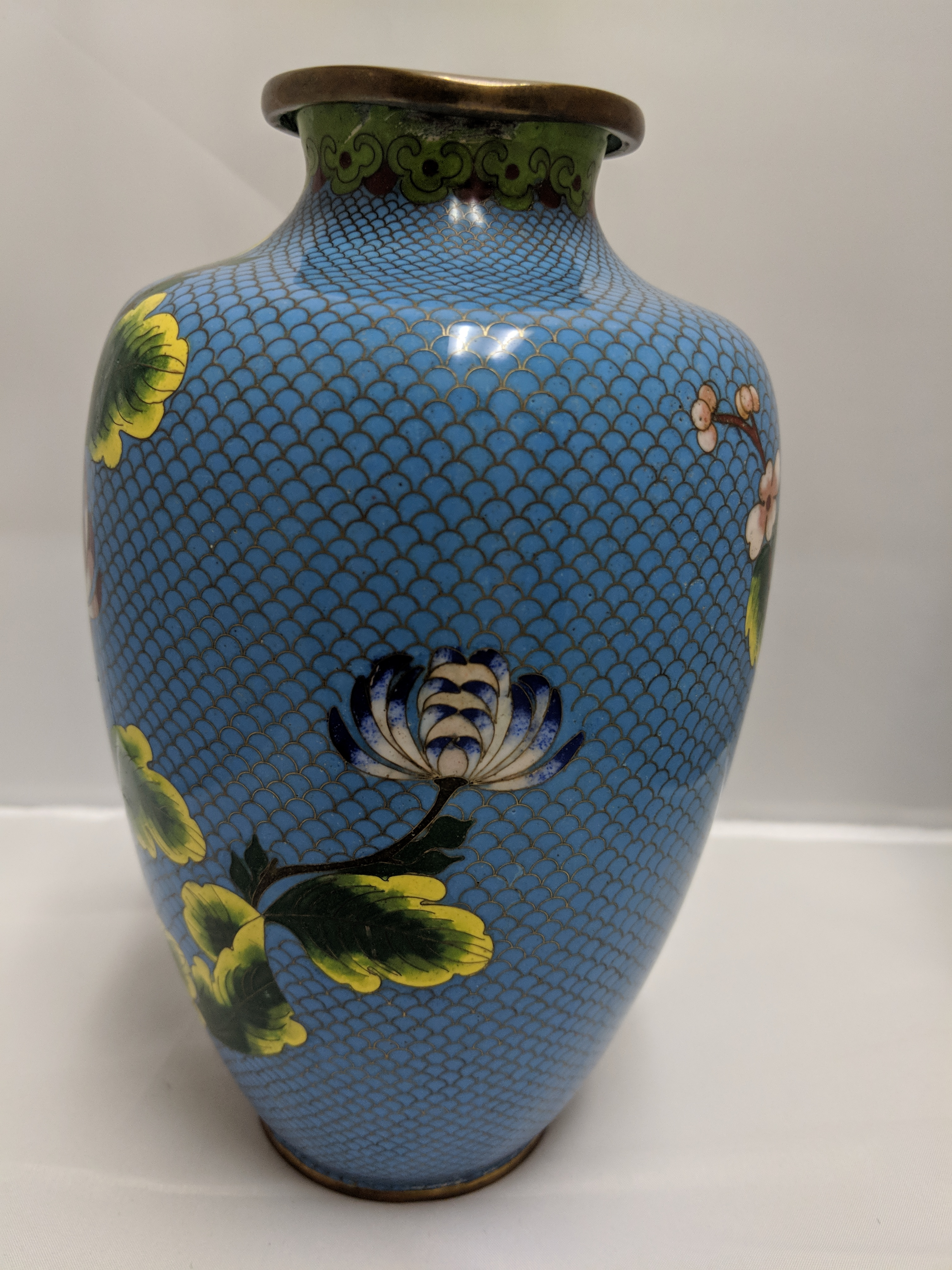 Large-blue-cloisonne-vase-with-blue-and-pink-flowers._112020C.jpg