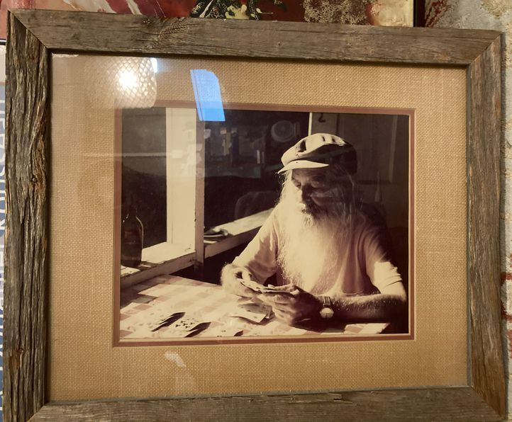 Photo-of-man-playing-cards-in-23x19-rustic-wood-frame_165685A.jpg