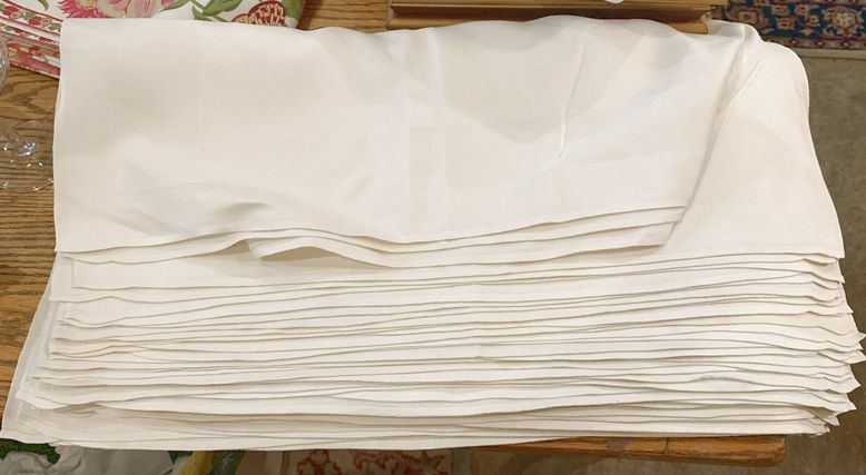Set-of-14-ivory-Irish-linen-napkins_166013A.jpg
