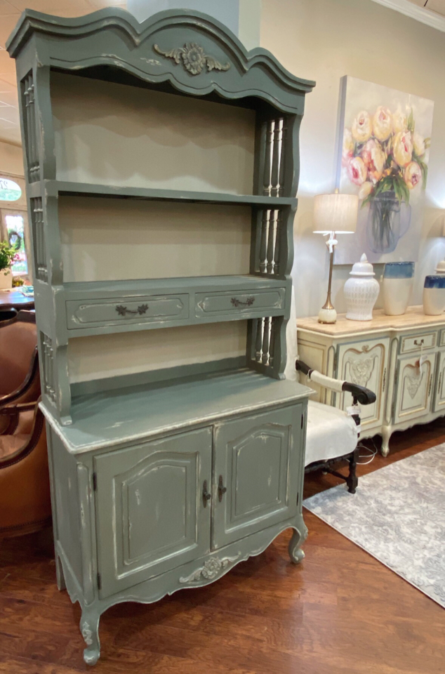 Buffets--Sideboards_195245A.jpg