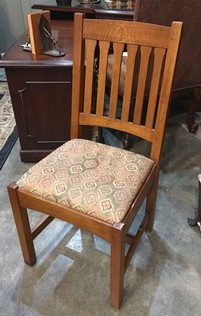Stickley-Dining-Chair-with-Red--Green-Upholstered-Seats_28193A.jpg