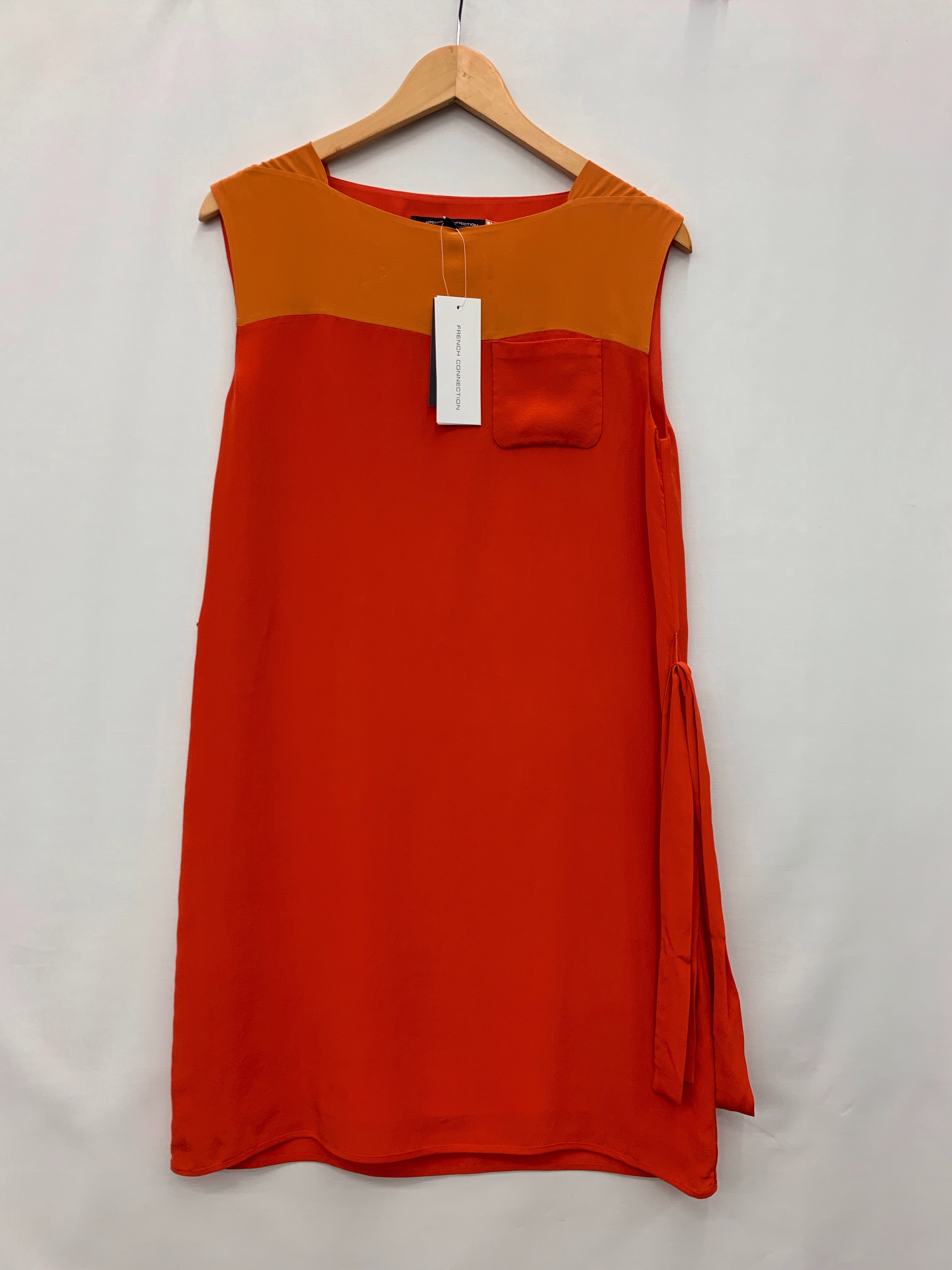 Size-4-FRENCH-CONNECTION-Silk-Dress_1037105A.jpg