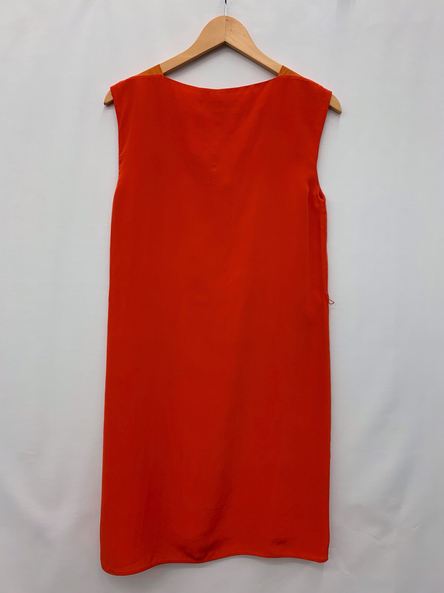 Size-4-FRENCH-CONNECTION-Silk-Dress_1037105B.jpg