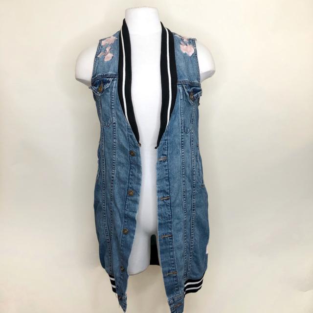 Size-S-Denim-Vest_1097382A.jpg