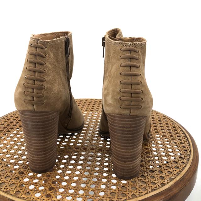 Tan-W-Shoe-Size-8-LUCKY-BRAND-Boots_1129567C.jpg