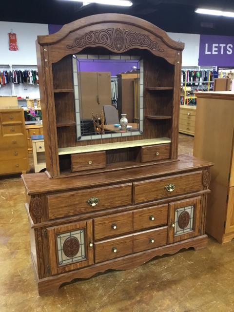 Dresser_40289A.jpg