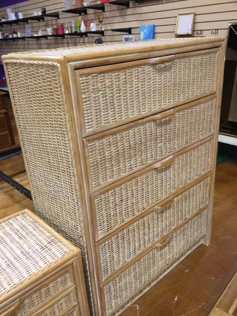 Dresser_40360A.jpg