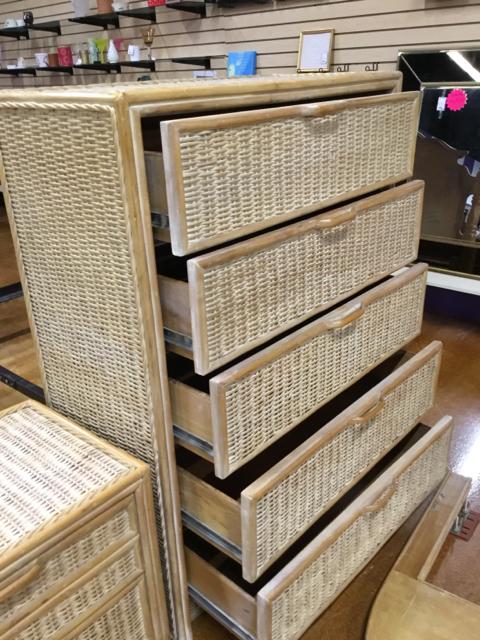 Dresser_40360B.jpg