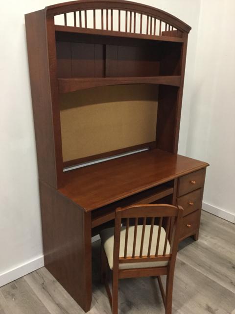 Jordans-Desk-With-Bookcase--Chair_33384A.jpg