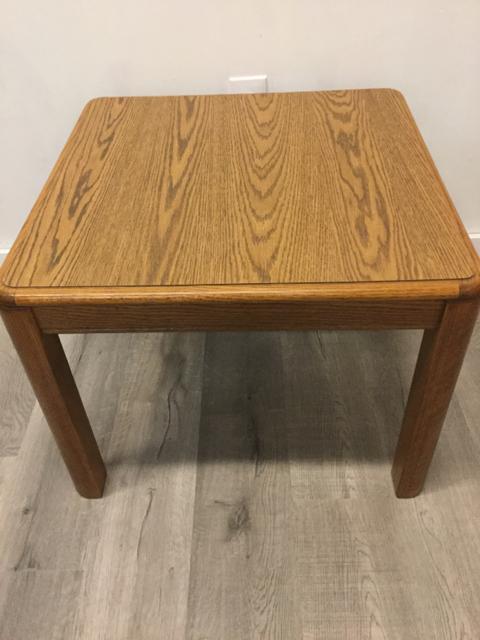 Oak-End-Table_34939A.jpg