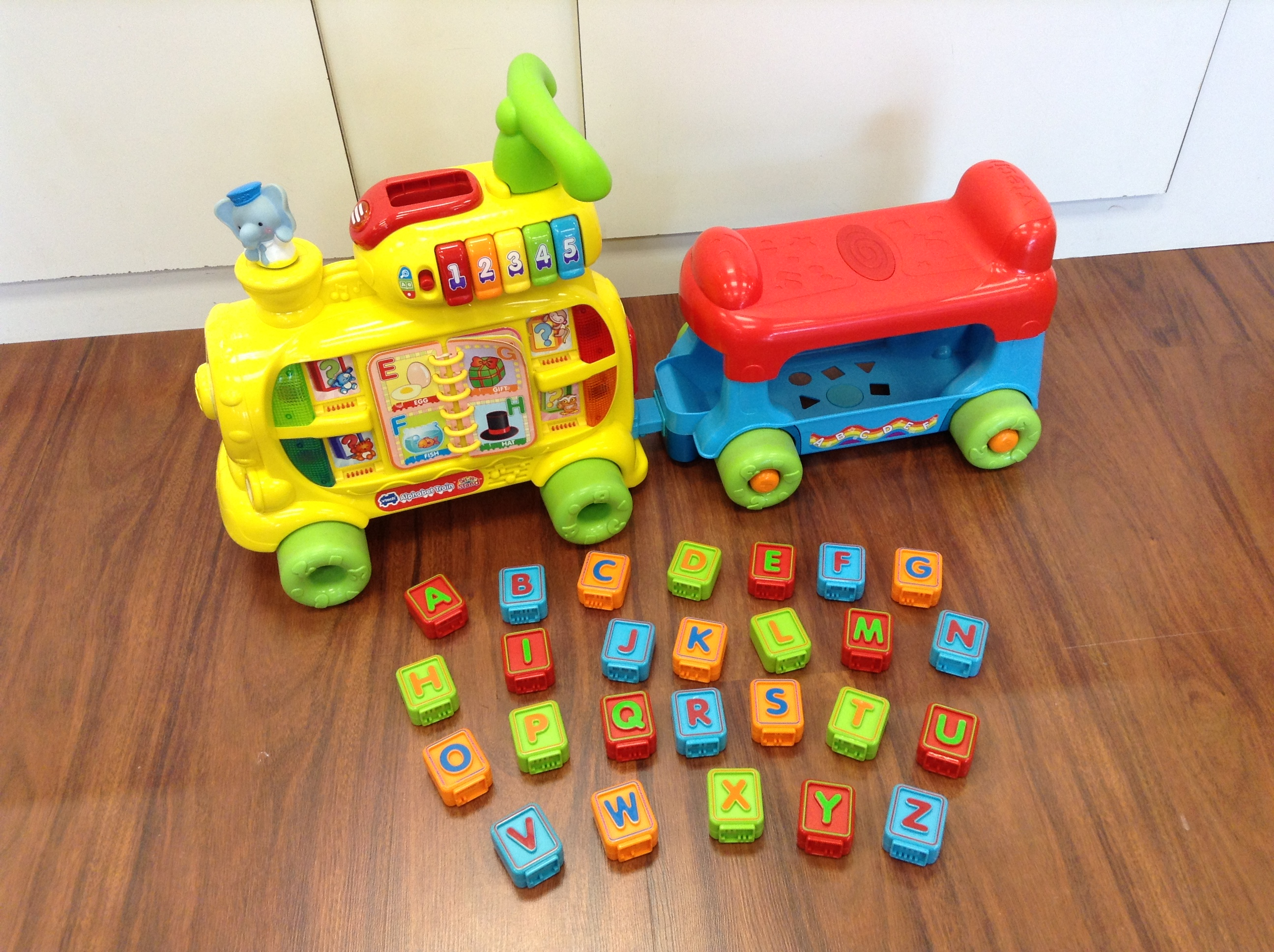 Vtech-Yellow-Large-Toys_140312A.jpg