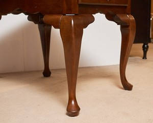Cherry-With-Cabriole-Legs-Side-Tables_90040D.jpg