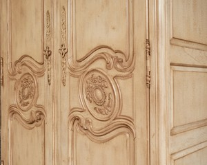 French-Heritage-Armoire_89829C.jpg
