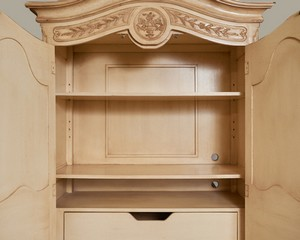 French-Heritage-Armoire_89829E.jpg