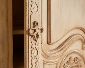 French-Heritage-Armoire_89829G.jpg