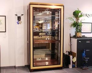 Henredon-Curio--Display-Cabinets_89287A.jpg