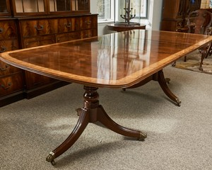 Henredon-Double-Pedestal-Banded-Mahogany-Dining-Table_89346G.jpg
