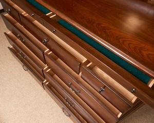 Thomasville-Cherry-Louis-Phillip11-Drawer-Dresser_90083D.jpg