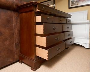 Thomasville-Cherry-Louis-Phillip11-Drawer-Dresser_90083E.jpg