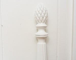 White-Pineapple-Full-Headboard_90277C.jpg