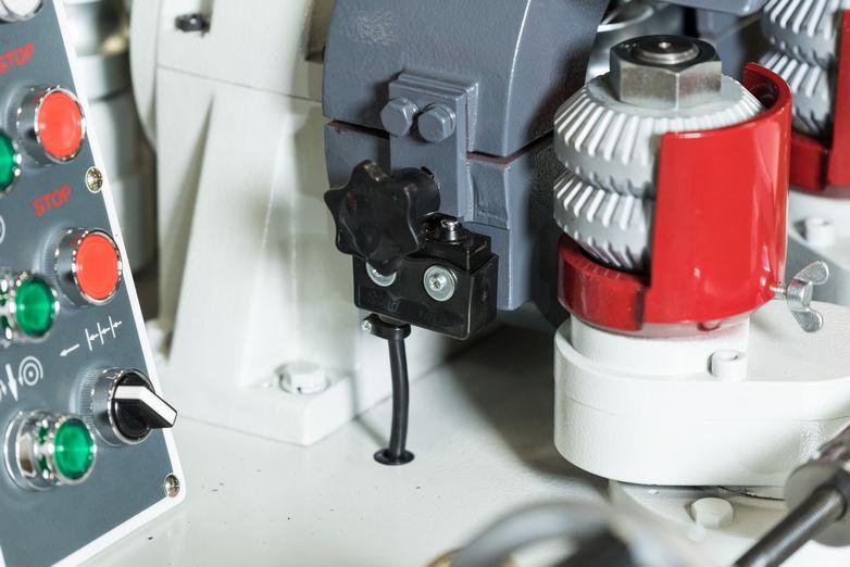 NT-60RM-532-Round-Rod-Milling-Machine_3616J.jpg