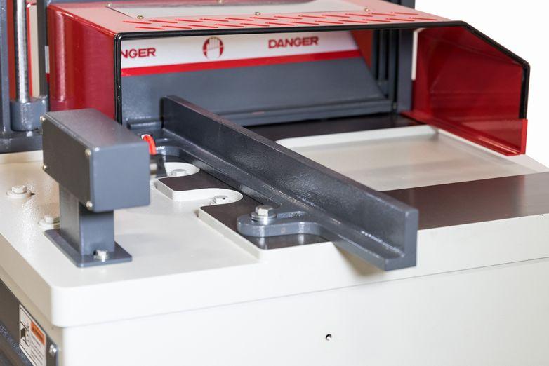 NT-CS20L-1034-Up-Cut-Saw_3502M.jpg