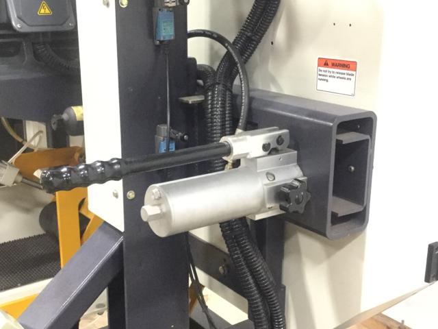 NT-HBR-300S-Horizontal-Bandsaw_1182P.jpg
