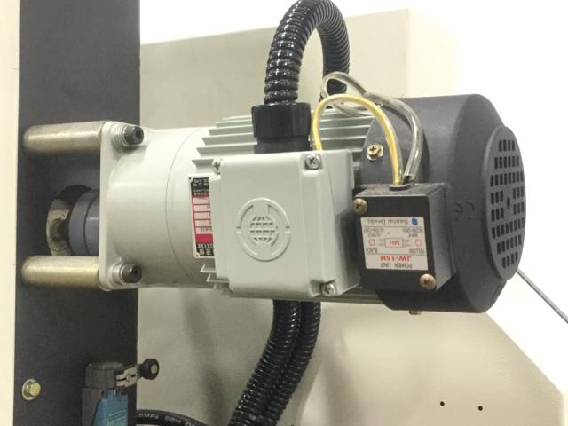 NT-HBR-300S-Horizontal-Bandsaw_1182Q.jpg