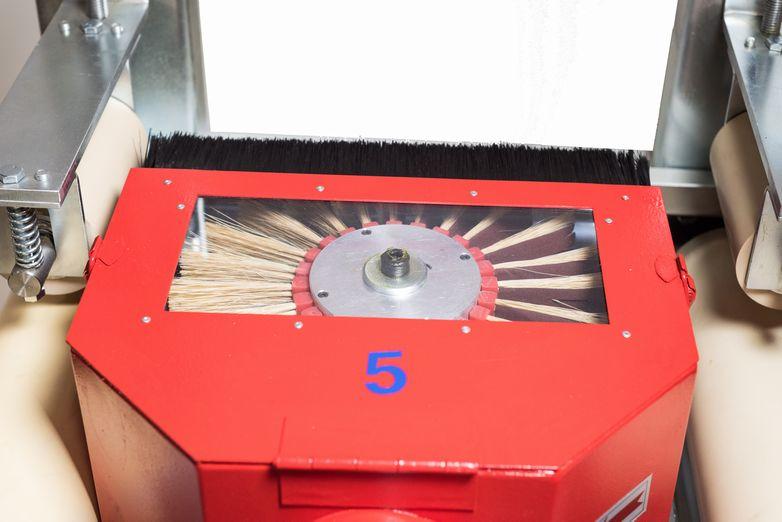 NT-MBS12-2T1R2L-EL-Five-Head-Moulding-Brush-Sander_4553J.jpg