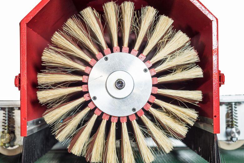 NT-MBS12-2T1R2L-EL-Five-Head-Moulding-Brush-Sander_4553K.jpg
