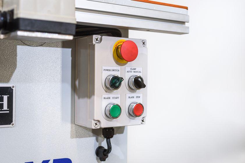 NT-PN14-Panel-Notcher_1278G.jpg