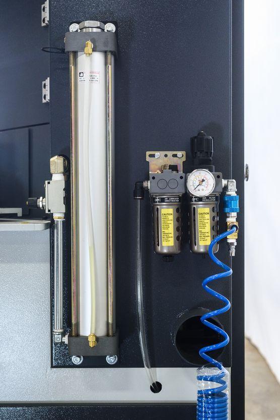 NT-PN14-Panel-Notcher_1278I.jpg