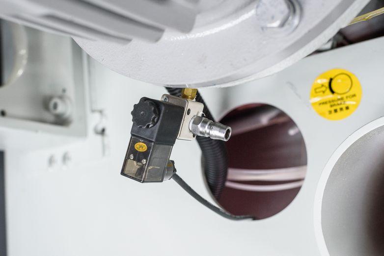 NT-SLR-18SC-2032-Precision-Straight-Line-Rip-Saw_1073L.jpg