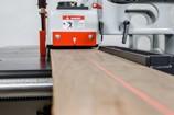 NT-SLR-18SC-2034-Precision-Straight-Line-Rip-Saw_3507M.jpg