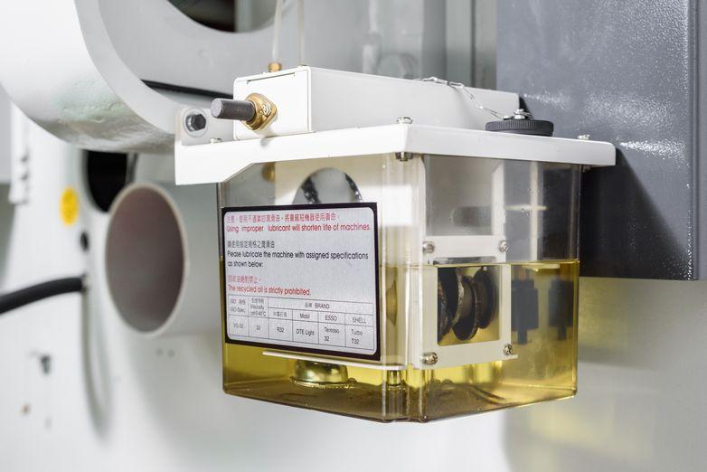 NT-SLR-20SC-PRECISION-STRAIGHT-LINE-RIP-SAW_1176J.jpg