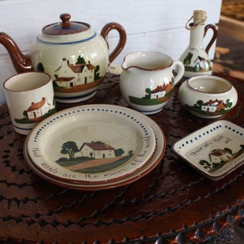 Dartmouth-Pottery-Collection_63999A.jpg