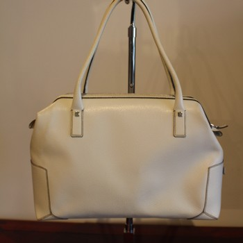 Ferragamo-Ivory-Textured--Leather-Satchel_64788A.jpg