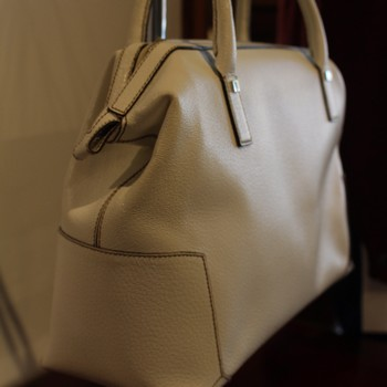 Ferragamo-Ivory-Textured--Leather-Satchel_64788C.jpg