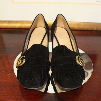 Gucci-Size-40-Black-Suede-Marmont-Fringe-Pump-with-Gold-Logo_60653B.jpg