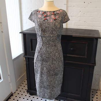 Lela-Rose-Size-8-Gray-Tweed-Dress-with-Colorful-Embroidery_64436A.jpg