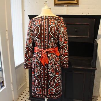 Moschino-Size-10-BlackRed-Bandana-Print-Dress_62384A.jpg