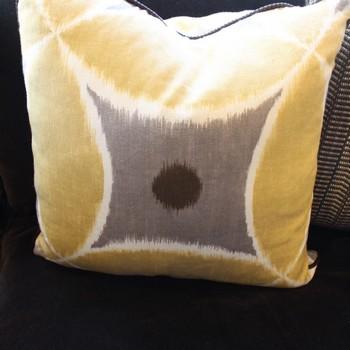 Pair-of-Custom-Yellow--Brown--linen-Accent-Pillows_65338A.jpg