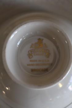 Pickard-Porcelain-DishwareServing-Pieces_64224B.jpg