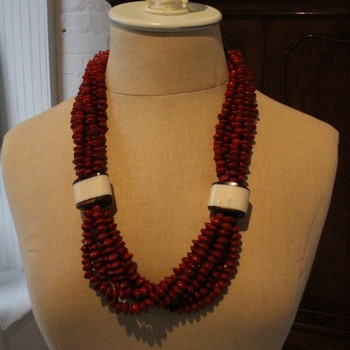 Red-Tento-and-Black-Licori-Multi-Strand-Beaded-necklace_62578A.jpg