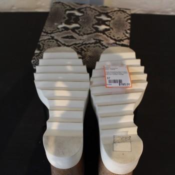 Stella-McCartney-Size-37-Black-Leather-Wedge-Booties_61171D.jpg